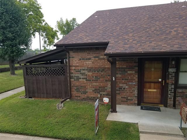 10908 E 11th Place #1, Tulsa, OK 74129 (MLS #1833113) :: Hopper Group at RE/MAX Results