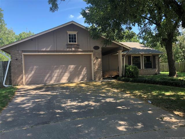 1516 E 67th Place, Tulsa, OK 74136 (MLS #1833517) :: Hopper Group at RE/MAX Results
