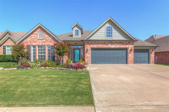 417 W 125th Place S, Jenks, OK 74037 (MLS #1833620) :: Hopper Group at RE/MAX Results