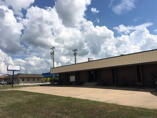 360 S 33rd Street, Muskogee, OK 74401 (MLS #1833961) :: Hopper Group at RE/MAX Results