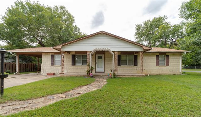 85 NW 2nd Street, Krebs, OK 74554 (MLS #1834241) :: Hopper Group at RE/MAX Results