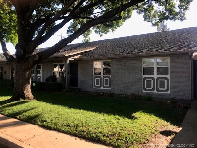 5611 S Newport Avenue #5611, Tulsa, OK 74105 (MLS #1834334) :: Hopper Group at RE/MAX Results