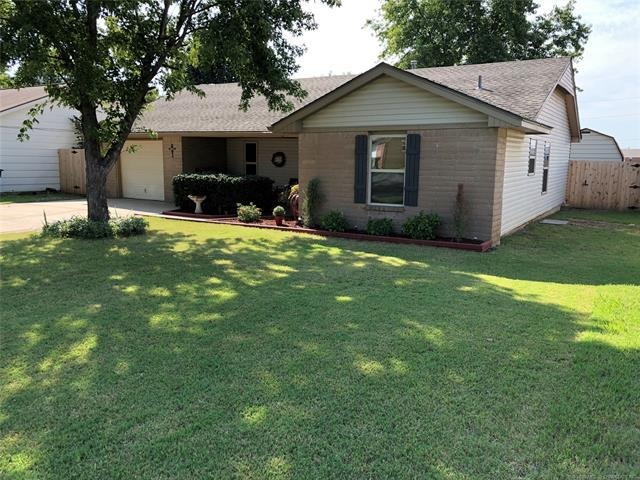 811 W 6th Street, Skiatook, OK 74070 (MLS #1834392) :: Hopper Group at RE/MAX Results