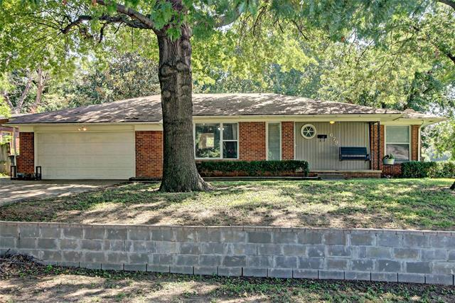 679 S 93rd East Avenue, Tulsa, OK 74112 (MLS #1834400) :: Hopper Group at RE/MAX Results