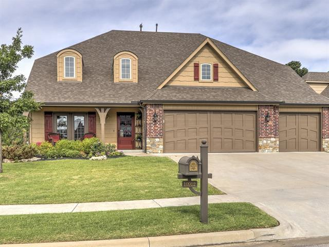 10912 S Sycamore Place, Jenks, OK 74037 (MLS #1834723) :: Hopper Group at RE/MAX Results