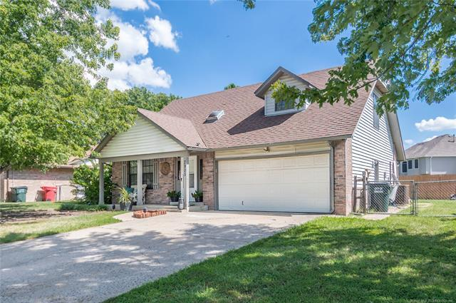 7905 N 122nd East Avenue, Owasso, OK 74055 (MLS #1835143) :: Hopper Group at RE/MAX Results