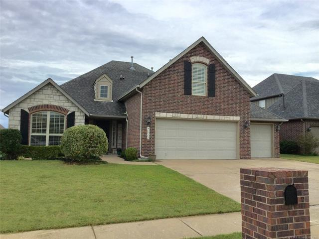 4032 W Roanoke Street, Broken Arrow, OK 74011 (MLS #1835314) :: Hopper Group at RE/MAX Results