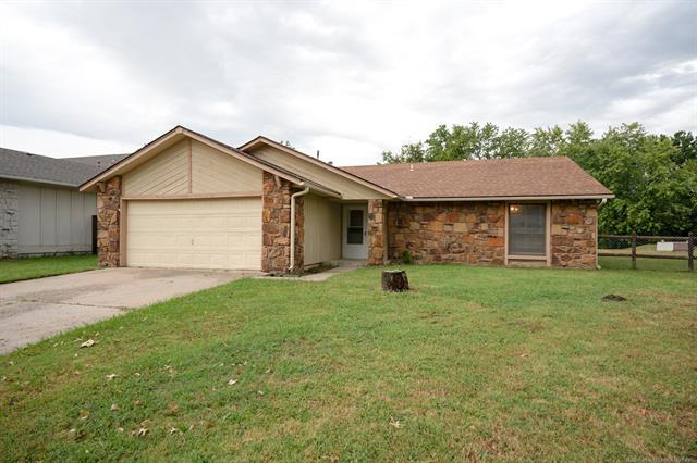 12007 E 88th Place N, Owasso, OK 74055 (MLS #1835390) :: Hopper Group at RE/MAX Results