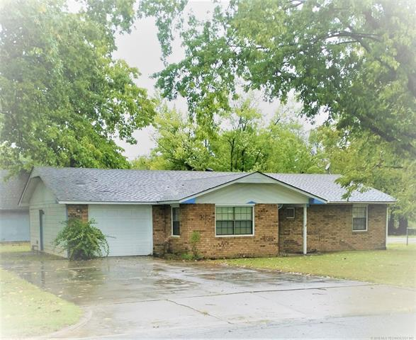 800 S Vann Street, Pryor, OK 74361 (MLS #1835391) :: Hopper Group at RE/MAX Results