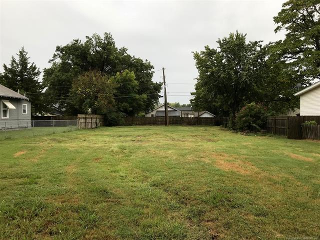 207 E 4th Street, Claremore, OK 74017 (MLS #1835490) :: Hopper Group at RE/MAX Results