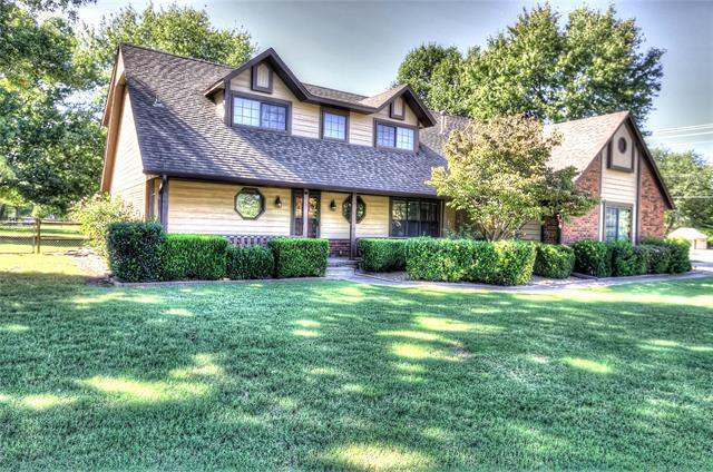 8522 N 167th East Avenue, Owasso, OK 74055 (MLS #1836126) :: Hopper Group at RE/MAX Results