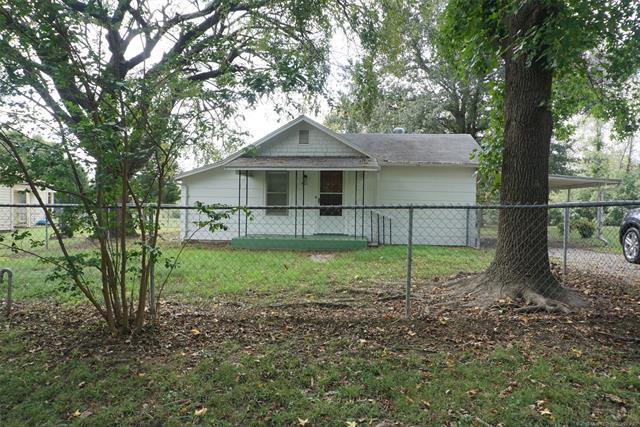 411 E Birch Street, Henryetta, OK 74437 (MLS #1836299) :: Hopper Group at RE/MAX Results