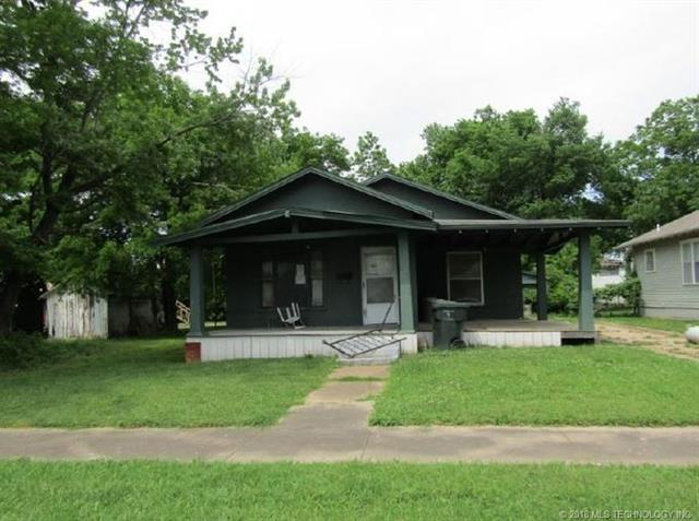 214 W 5th Street, Claremore, OK 74017 (MLS #1836554) :: Hopper Group at RE/MAX Results