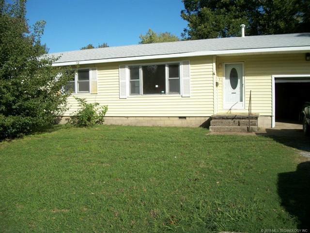 1005 SE 1st Street, Pryor, OK 74361 (MLS #1836580) :: Hopper Group at RE/MAX Results