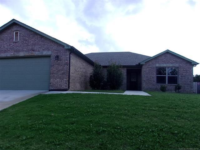 682 Pine Creek Lane, Mannford, OK 74044 (MLS #1836756) :: American Home Team
