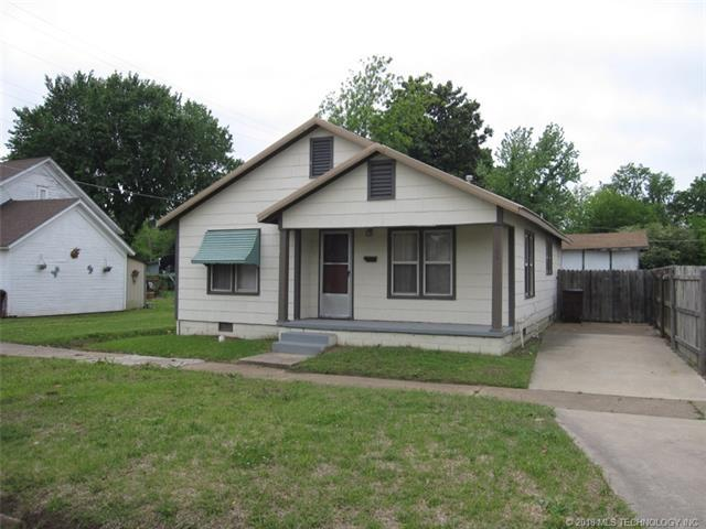 106 S 2nd Street, Eufaula, OK 74432 (MLS #1836848) :: Hopper Group at RE/MAX Results
