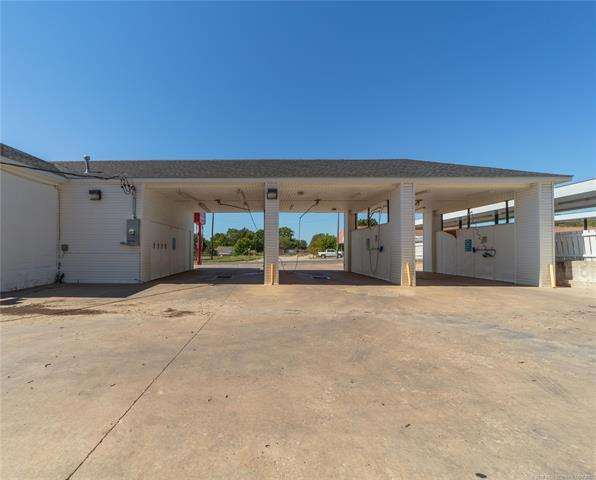 1042 S Main Street, Mcalester, OK 74501 (MLS #1837094) :: Hopper Group at RE/MAX Results