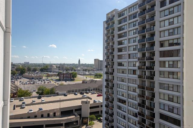 450 W 7th Street #1303, Tulsa, OK 74119 (MLS #1837109) :: Hopper Group at RE/MAX Results
