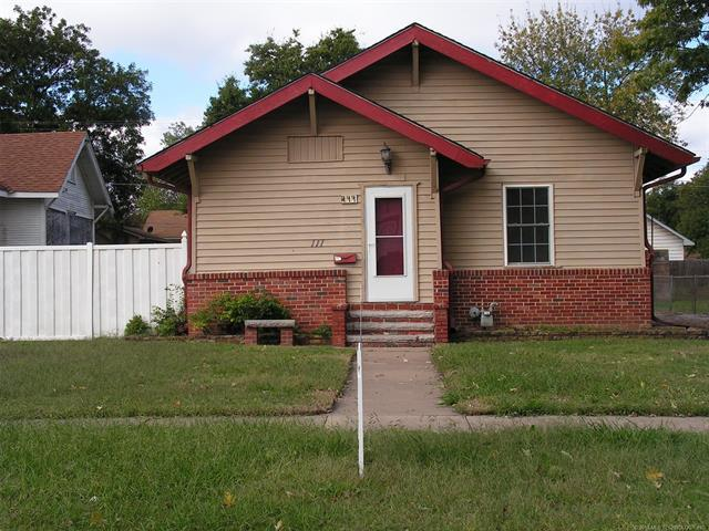111 N Creek Avenue, Bartlesville, OK 74003 (MLS #1837610) :: Hopper Group at RE/MAX Results