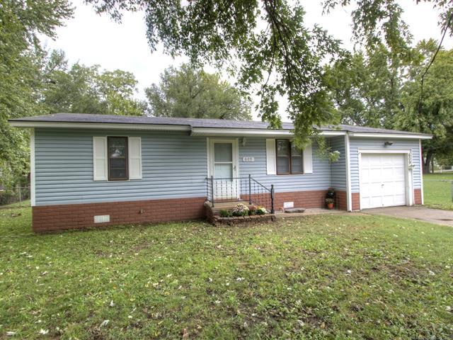 609 N Weenonah Avenue, Claremore, OK 74017 (MLS #1837802) :: Hopper Group at RE/MAX Results
