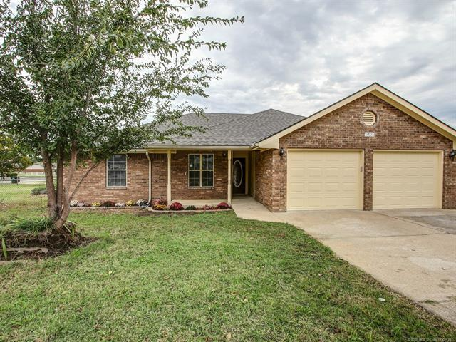 2405 S Independence Street, Sapulpa, OK 74066 (MLS #1838009) :: 918HomeTeam - KW Realty Preferred