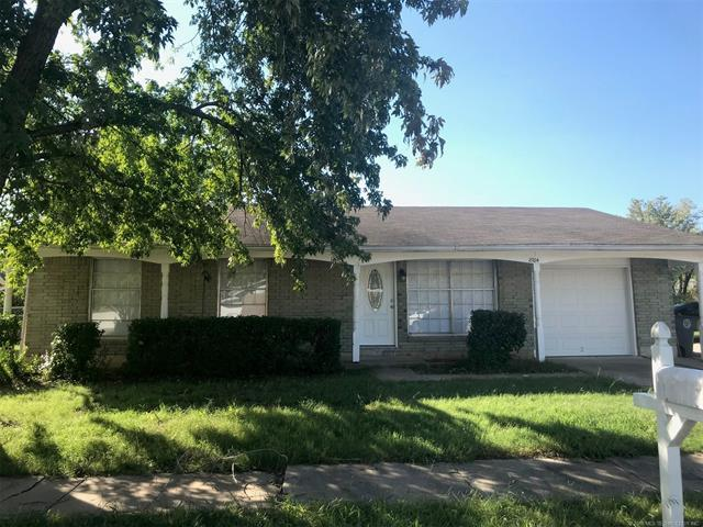 2704 S 134th East Avenue, Tulsa, OK 74134 (MLS #1838023) :: Hopper Group at RE/MAX Results