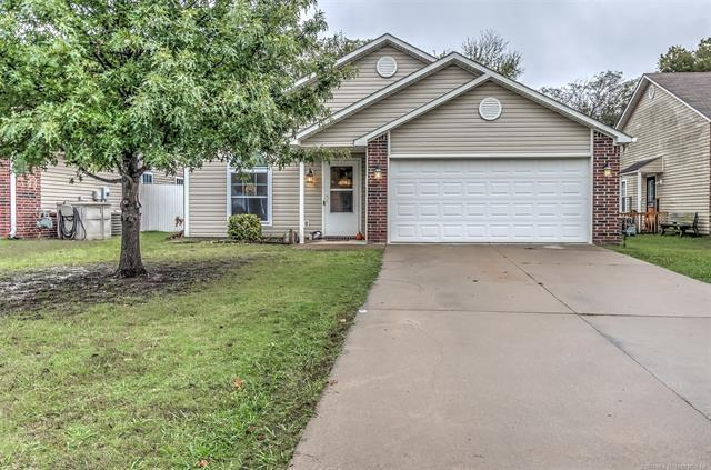 521 N Downing Avenue, Dewey, OK 74029 (MLS #1838357) :: Hopper Group at RE/MAX Results