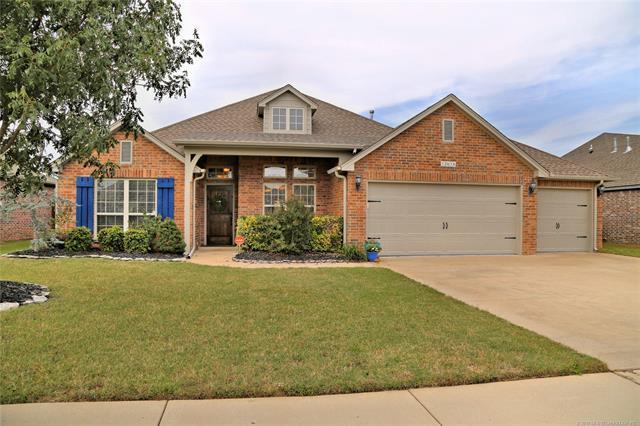 13616 Lansing Avenue, Glenpool, OK 74033 (MLS #1838403) :: 918HomeTeam - KW Realty Preferred