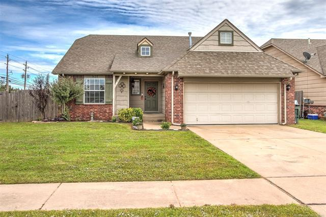 5127 N 34th Street, Broken Arrow, OK 74014 (MLS #1838479) :: 918HomeTeam - KW Realty Preferred
