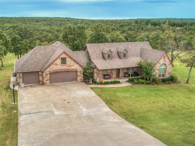 2323 Pond Circle, Sand Springs, OK 74063 (MLS #1838669) :: 918HomeTeam - KW Realty Preferred