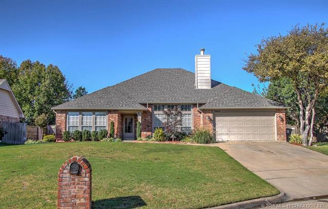 7402 S 106th East Avenue, Tulsa, OK 74133 (MLS #1838690) :: 918HomeTeam - KW Realty Preferred