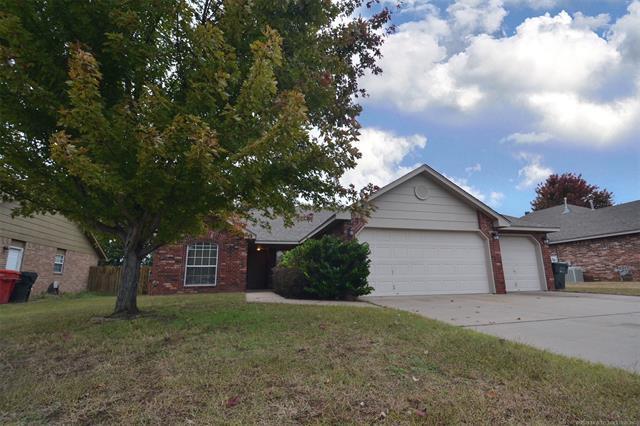 11822 N 107th East Avenue, Collinsville, OK 74021 (MLS #1838691) :: 918HomeTeam - KW Realty Preferred