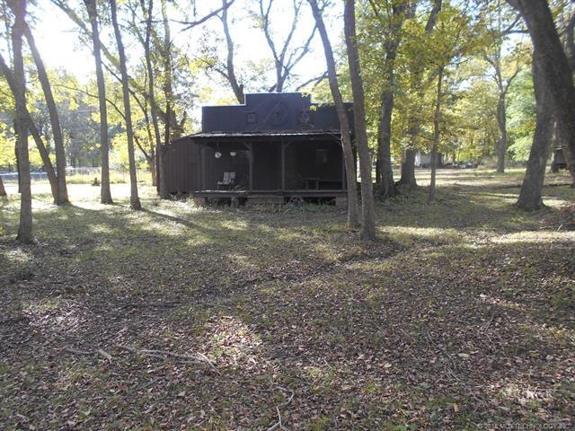 1005 N Osage Street, Chouteau, OK 74337 (MLS #1838979) :: Hopper Group at RE/MAX Results