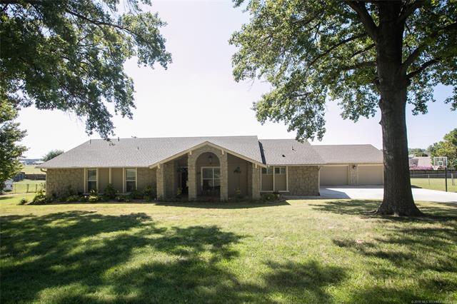 7518 E 118th Street S, Bixby, OK 74008 (MLS #1839025) :: Hopper Group at RE/MAX Results