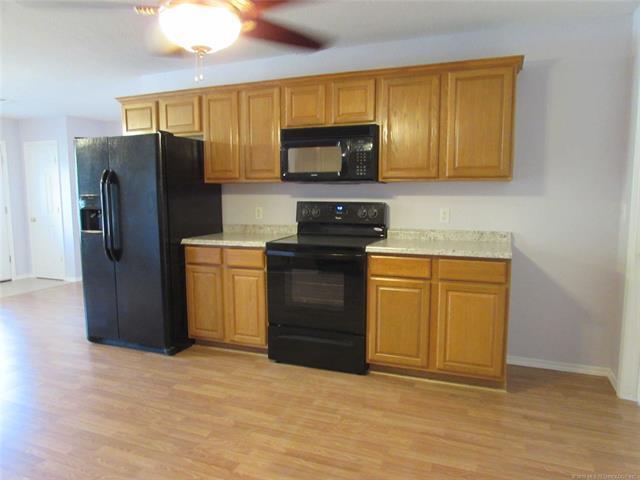 3525 Park Boulevard, Muskogee, OK 74401 (MLS #1839606) :: American Home Team