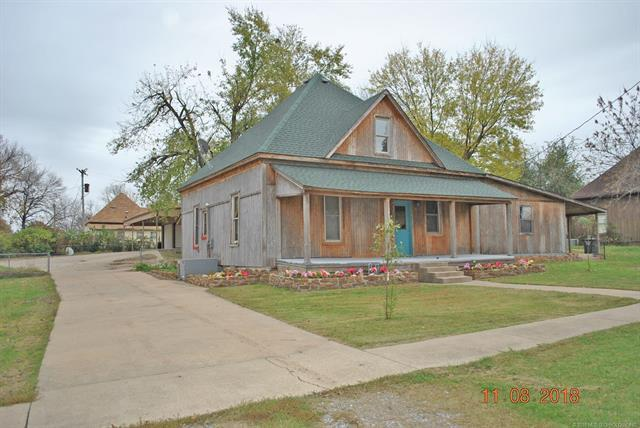 206 N Harrill Avenue, Wagoner, OK 74467 (MLS #1841909) :: Hopper Group at RE/MAX Results
