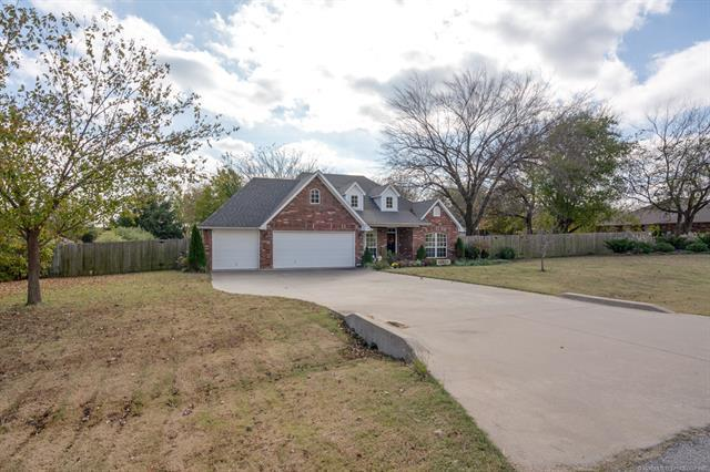 8816 E 104th Place North, Owasso, OK 74055 (MLS #1842062) :: Hopper Group at RE/MAX Results