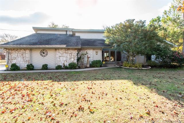 10052 E 470 Road, Claremore, OK 74017 (MLS #1842088) :: Hopper Group at RE/MAX Results