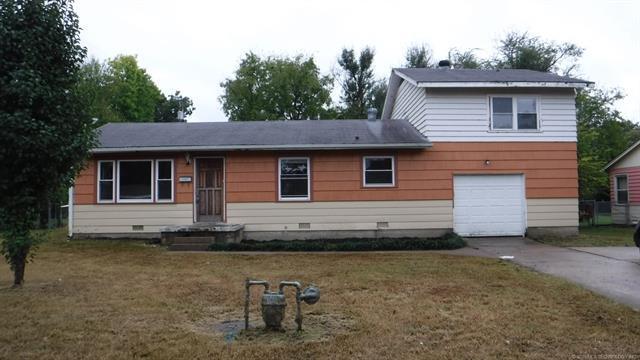 4509 Michigan Street, Bartlesville, OK 74006 (MLS #1842318) :: American Home Team