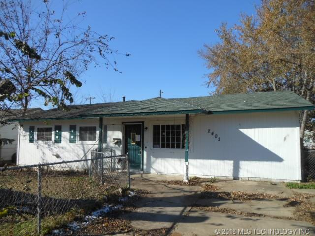 2402 S Main Street, Sapulpa, OK 74066 (MLS #1842464) :: American Home Team
