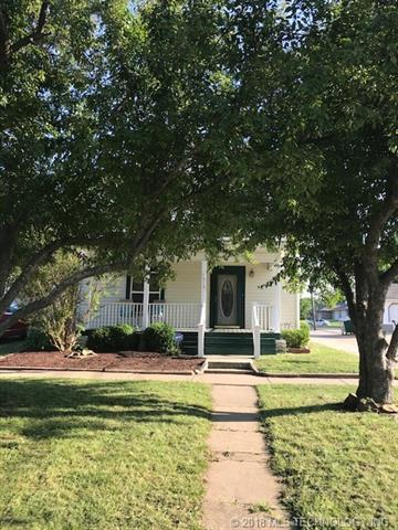515 E Silas Street, Bartlesville, OK 74003 (MLS #1842514) :: American Home Team