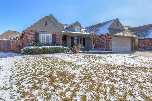 10403 N 117th East Avenue, Owasso, OK 74055 (MLS #1842581) :: Hopper Group at RE/MAX Results