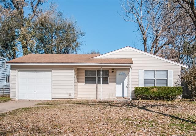 19523 E 4th Street, Tulsa, OK 74108 (MLS #1842619) :: Hopper Group at RE/MAX Results