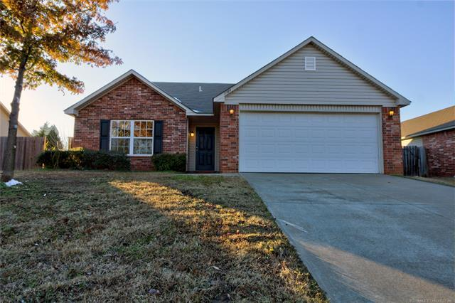11384 N 120th East East Avenue, Owasso, OK 74055 (MLS #1842712) :: Hopper Group at RE/MAX Results
