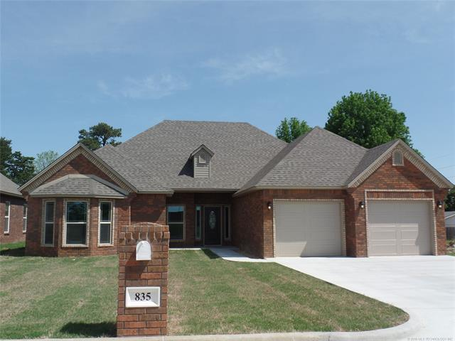 835 Great Oaks Drive, Mcalester, OK 74501 (MLS #1842769) :: Hopper Group at RE/MAX Results