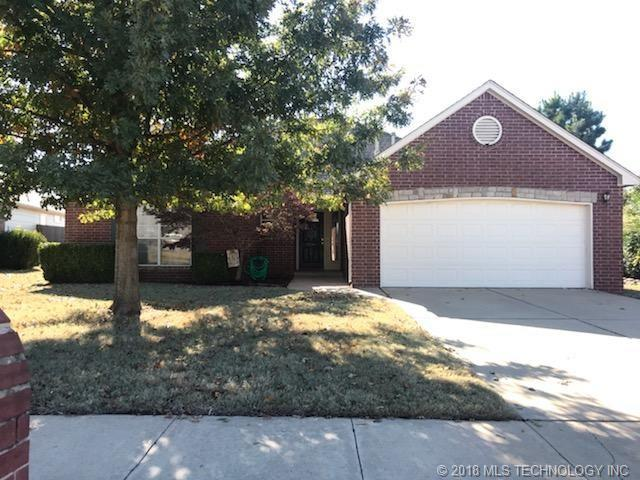 1006 W 118th Street, Jenks, OK 74037 (MLS #1842774) :: Hopper Group at RE/MAX Results
