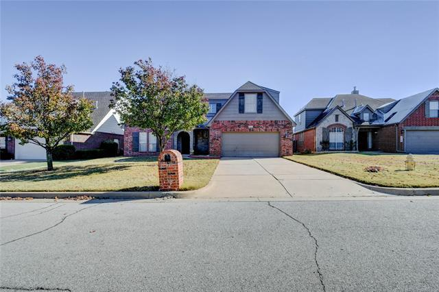 7711 S 92nd Place E, Tulsa, OK 74133 (MLS #1842816) :: Hopper Group at RE/MAX Results