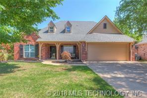 2105 W G. Street, Jenks, OK 74037 (MLS #1842859) :: Hopper Group at RE/MAX Results