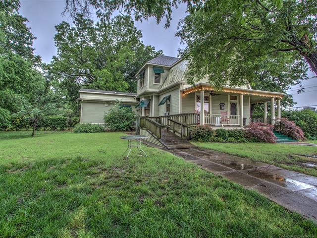 804 E Cherokee Street, Wagoner, OK 74467 (MLS #1843051) :: Hopper Group at RE/MAX Results