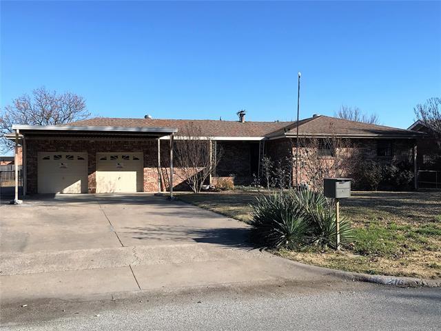 216 N Fenway Avenue, Bartlesville, OK 74006 (MLS #1843521) :: American Home Team